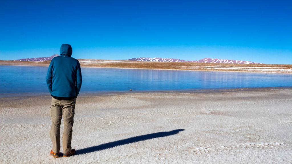 Photo de moi (Vincent) prise en Bolivie dans le désert de Uyuni.